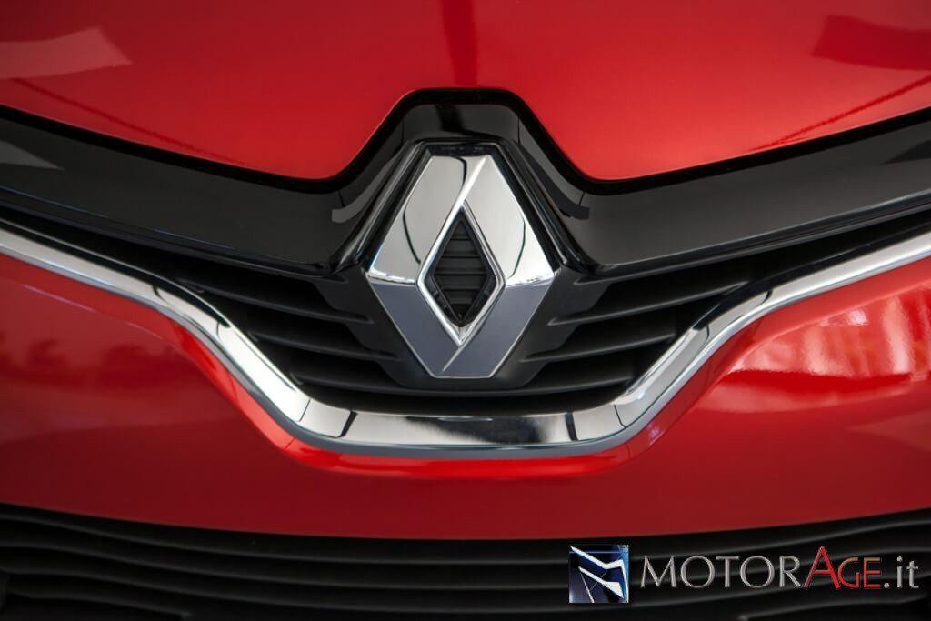 Renault_Capture_2014-18
