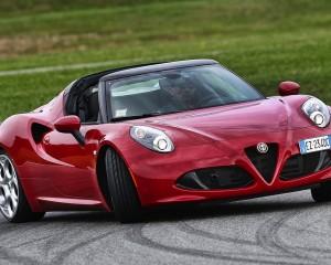 Test Drive Alfa Romeo 4C Spider: Estremamente Alfa