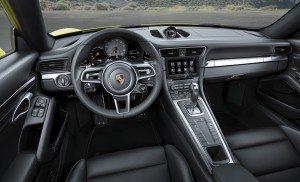 PORSCHE 911 CARRERA 4S (3)