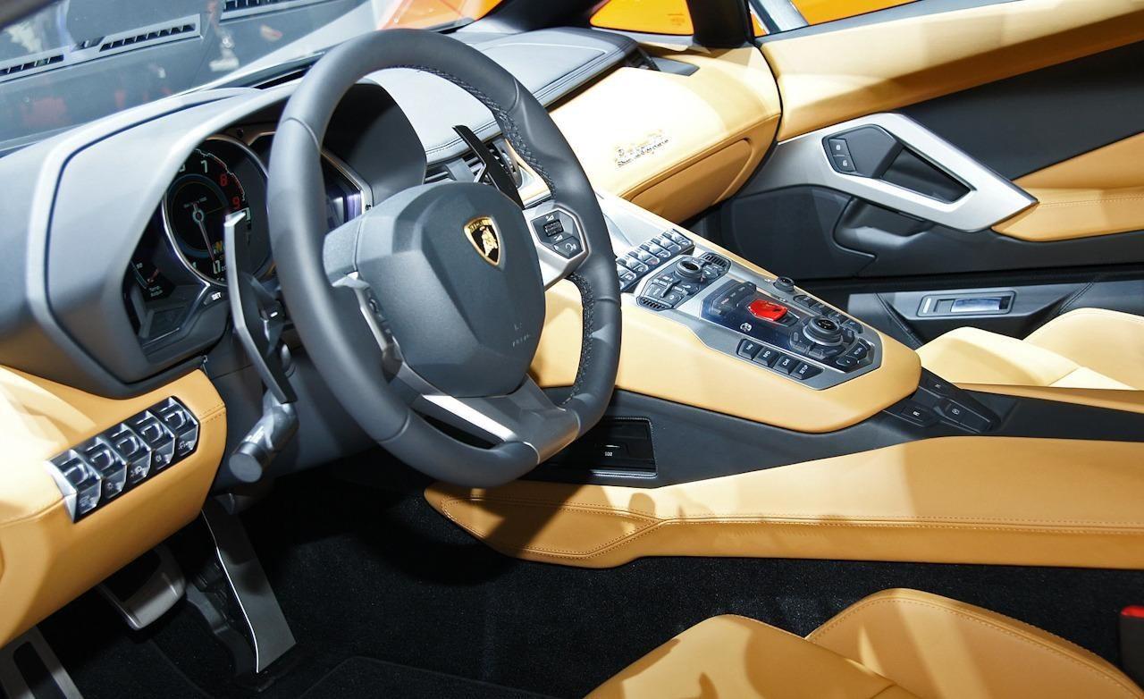 Lamborghini aventador lp 700 4 pirelli edition incontro - Lamborghini aventador interior wallpaper ...