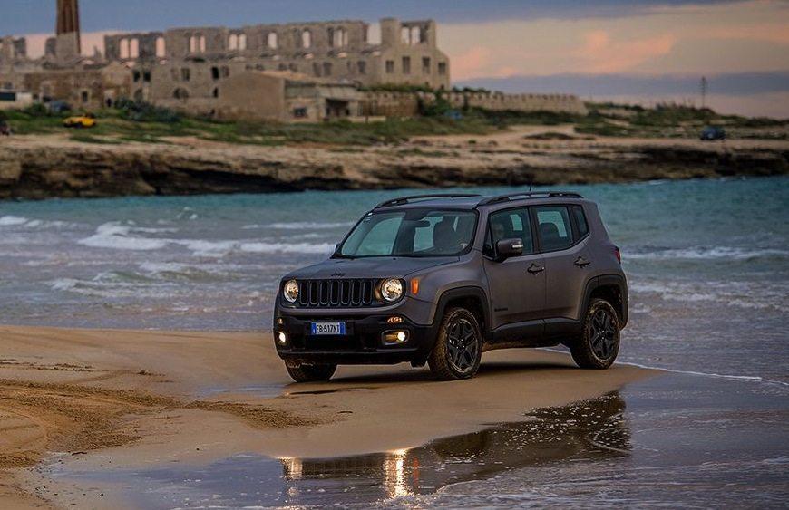 jeep renegade business nata per l 39 utilizzo professionale. Black Bedroom Furniture Sets. Home Design Ideas