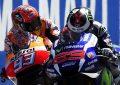 Al fotofinish Lorenzo beffa Marquez – Rossi out!