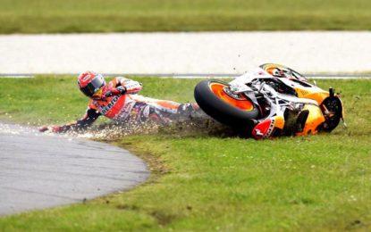 Marquez casca nel relax – A Phillip Island vince Crutchlow davanti a un super Rossi