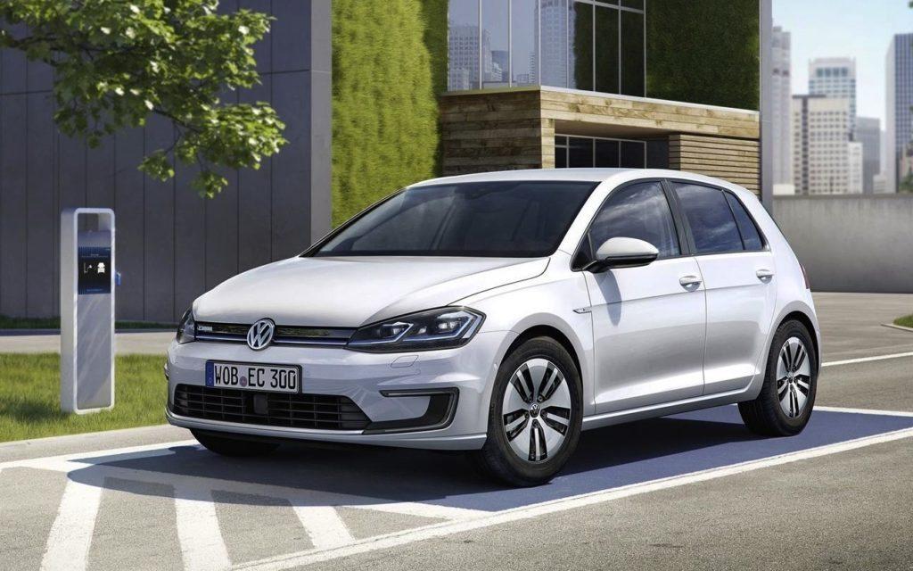 Volkswagen: debutta la e-Golf con 300 km di autonomia