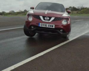 """Nissan Juke e il J-Turn """"alla cieca"""". Testacoda da record"""