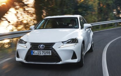 Lexus IS Hybrid: All'attacco delle europee