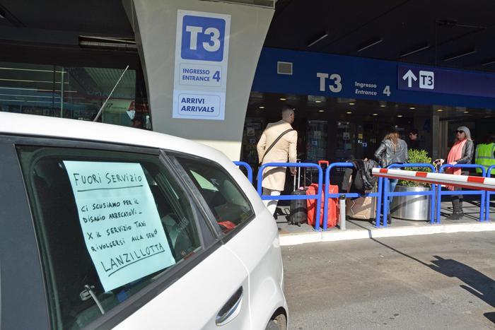 Taxi in sciopero in tutta Italia: no a norme pro-Uber
