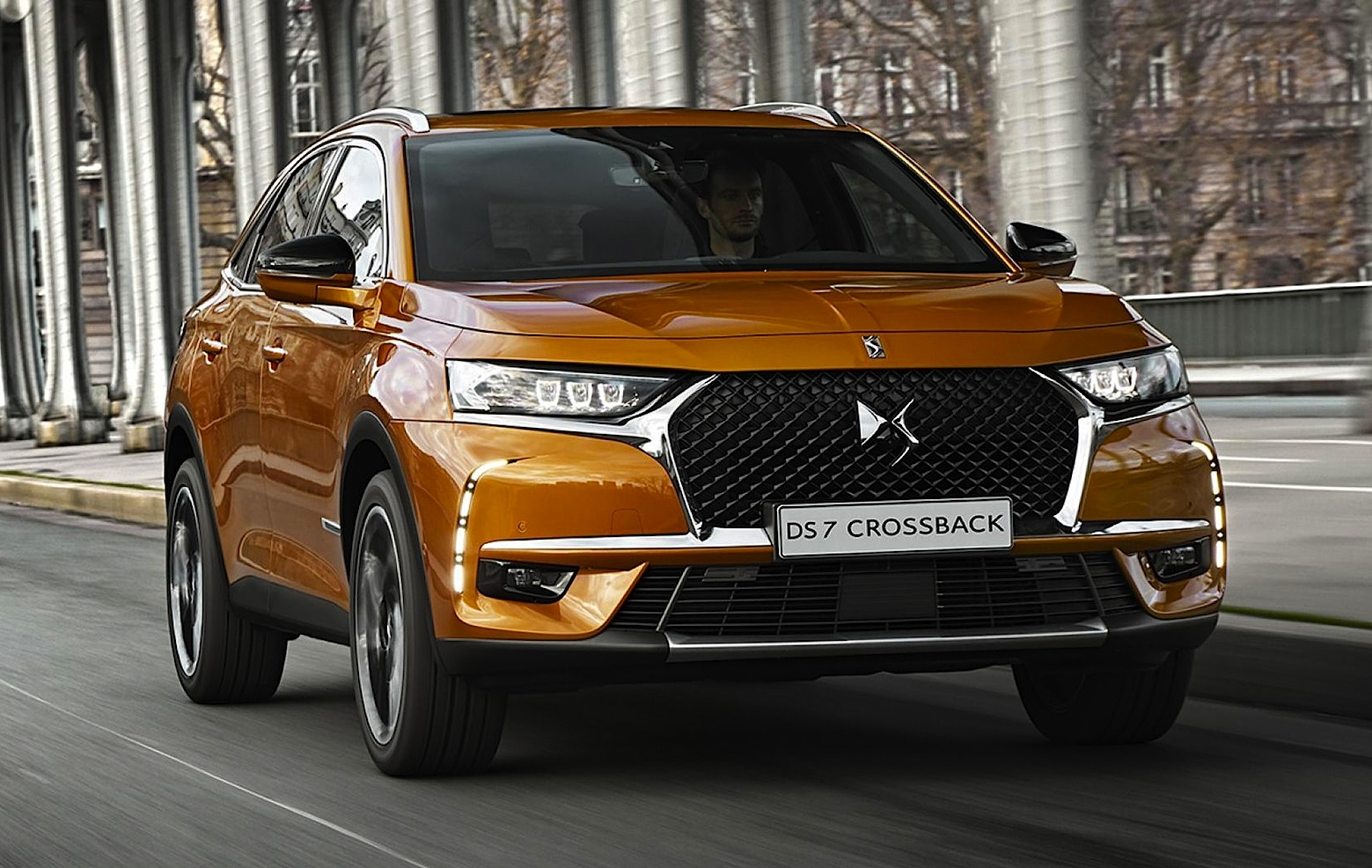 ds7 crossback il primo suv grande firmato ds motorage new generation. Black Bedroom Furniture Sets. Home Design Ideas