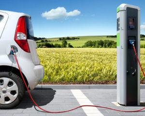 Auto ibride ed elettriche: protagoniste dei prossimi 10 anni