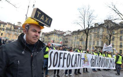 Taxi. Gli scioperi continuano: il Decreto non piace