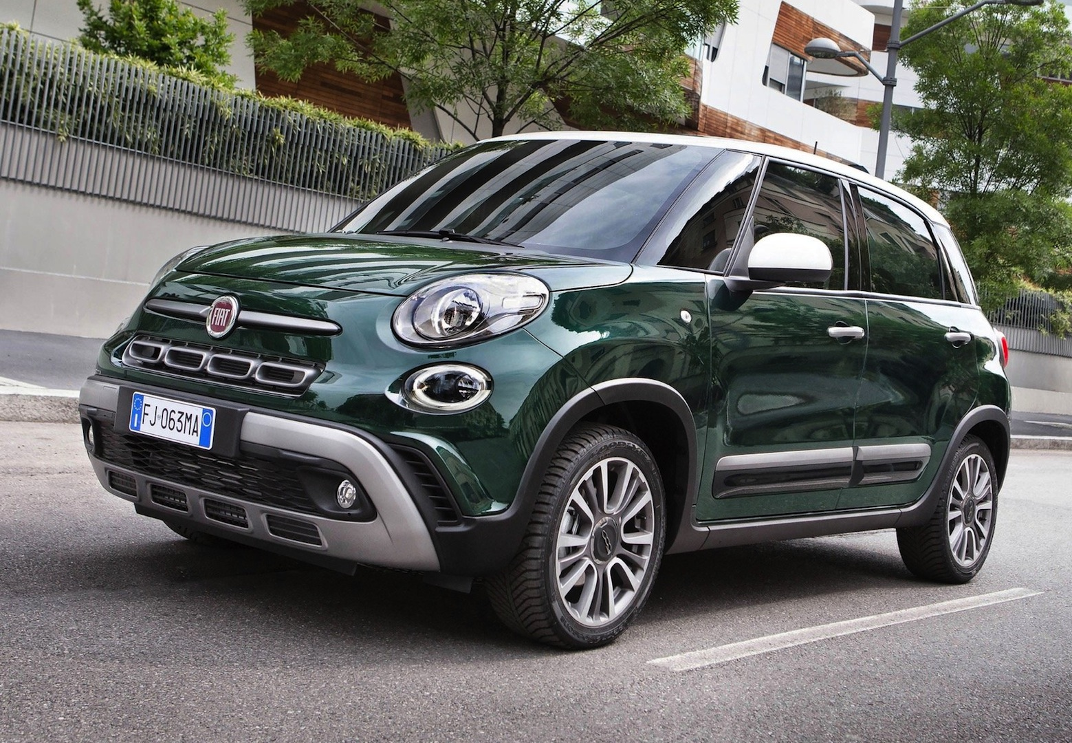 fiat 500l cross 1 3 multijet versatilit a tutto campo motorage new generation. Black Bedroom Furniture Sets. Home Design Ideas