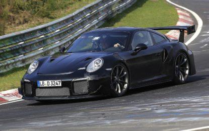 Porsche 911 GT2 RS: potenza brutale