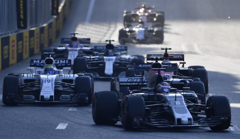 F1, Baku: Hamilton, pole da record! Seconda fila Ferrari