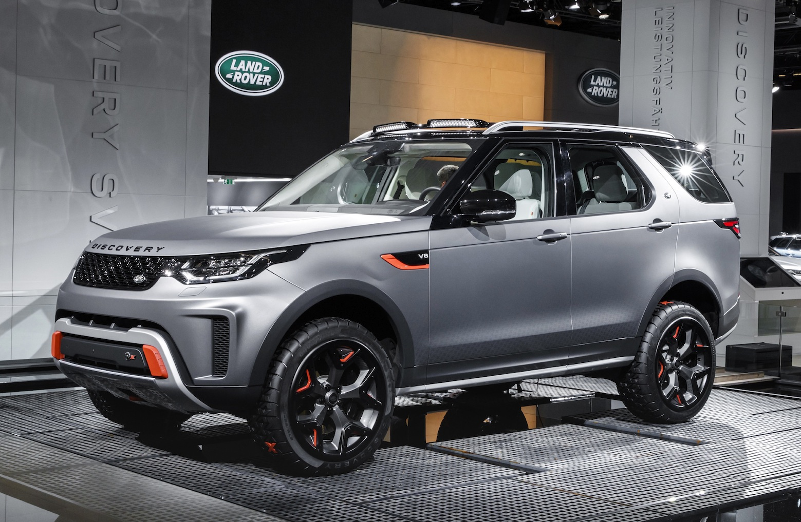 Land Rover Discovery SVX: anima da fuoristrada puro ...