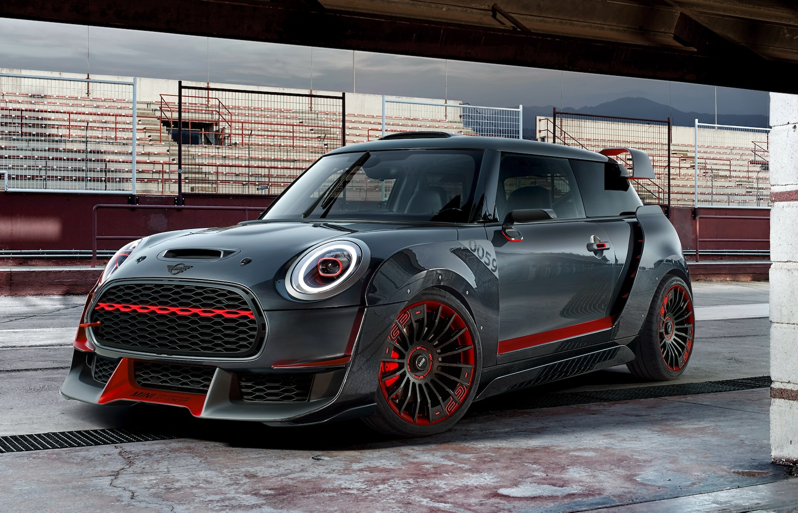mini jcw gp concept la pista prioritaria motorage new generation. Black Bedroom Furniture Sets. Home Design Ideas