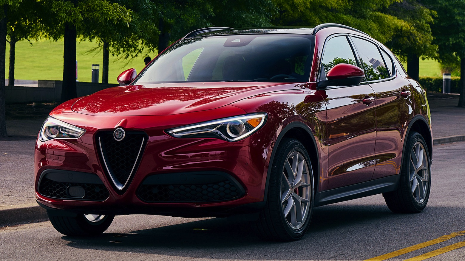 alfa romeo stelvio premiato crossover of the year 2018. Black Bedroom Furniture Sets. Home Design Ideas