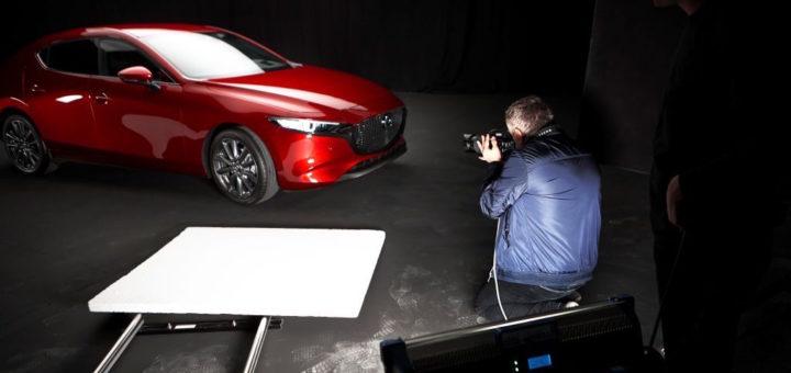 Mazda 3, partenza diffusione e vendite