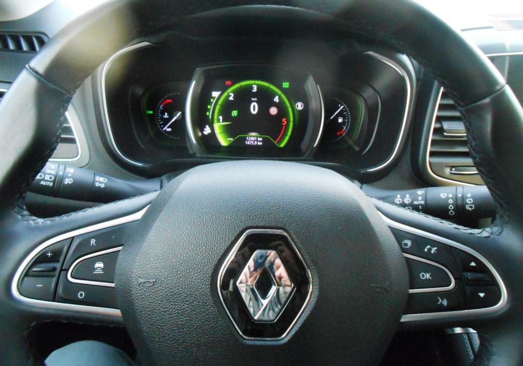 Renault Koleos Blue 2.0 dCi 190 CV X-Tronic 4x4, cockpit digitale cruscotto, Test MotorAge