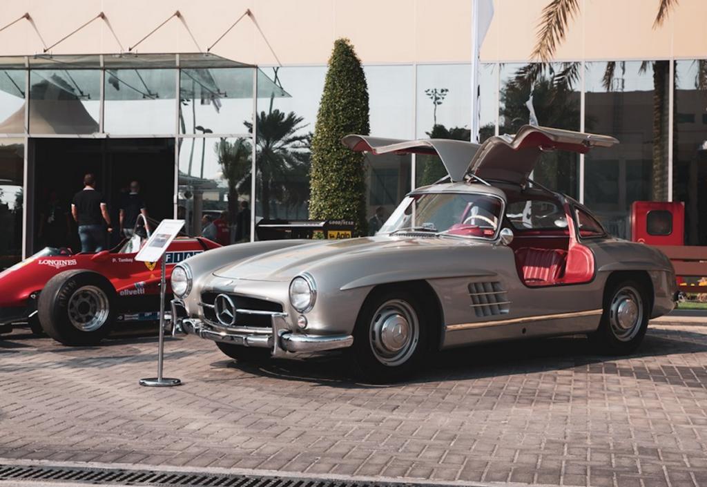 Mercedes-Benz 300 SL Gullwing, Sotheby's Race-Cars auction, Yas Marina