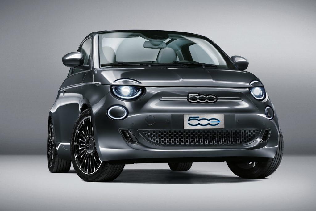 Nuova Fiat 500e: rivoluzione elettrica
