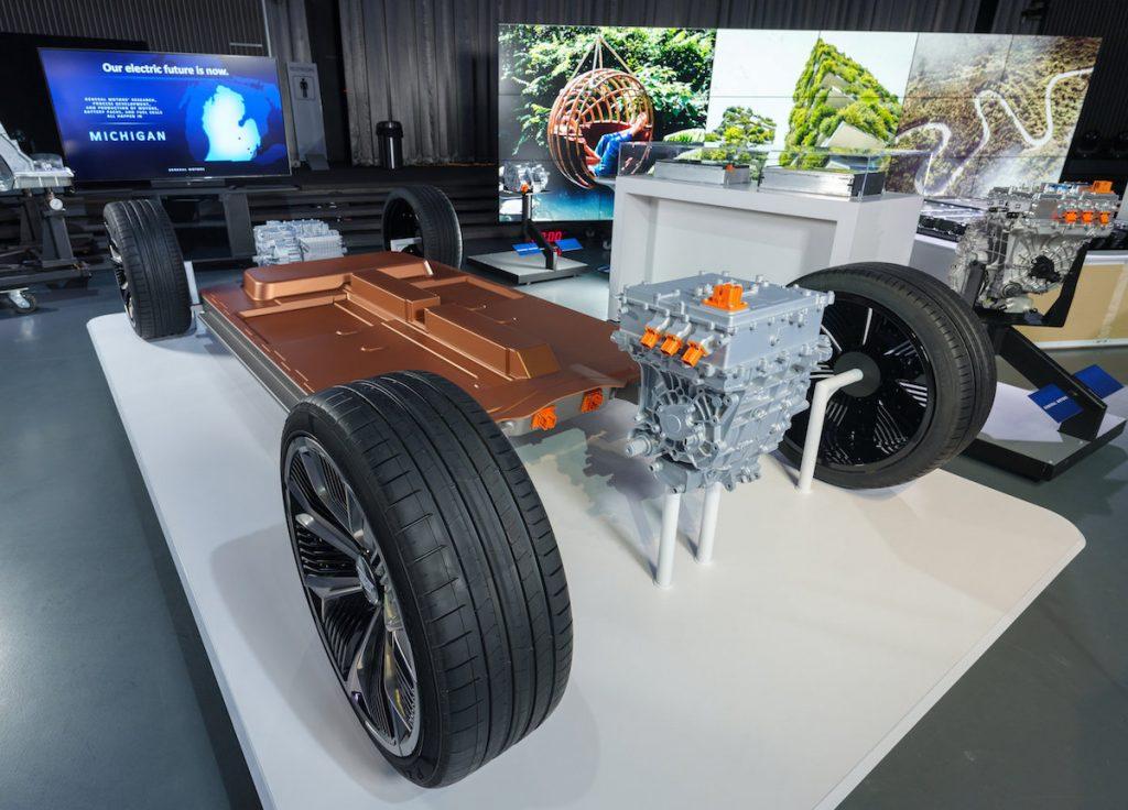 Piattaforma EV di terza generazione di General Motors con sistema batterie Ultium dal GM Tech Center