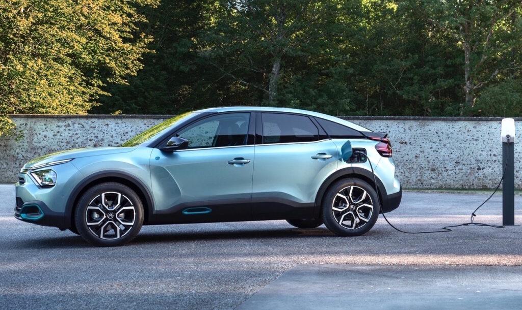 Citroen C4 propone anche una motorizzazione elettrica