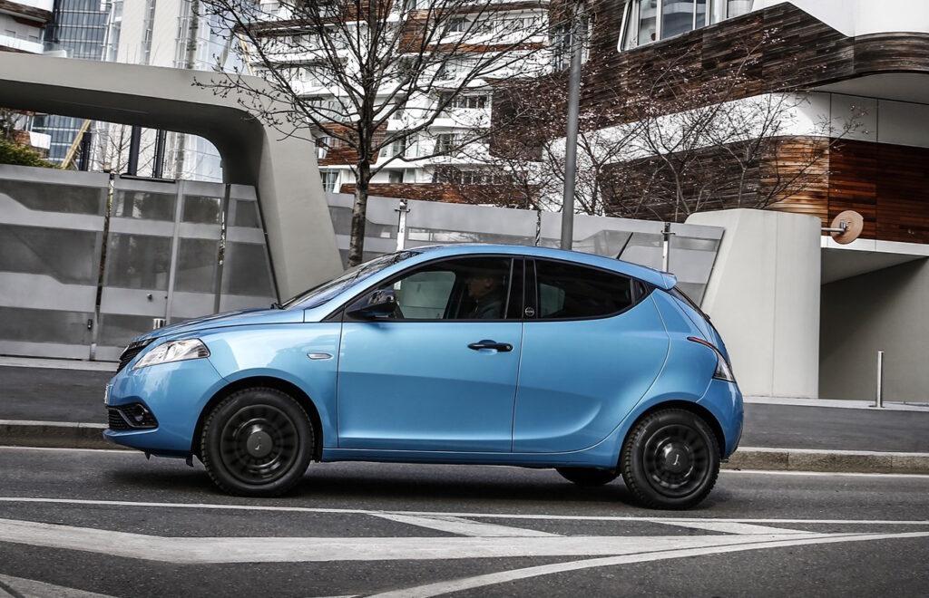 Lancia Ypsilon Hybrid EcoChic affiancherà le varianti a metano e GPL