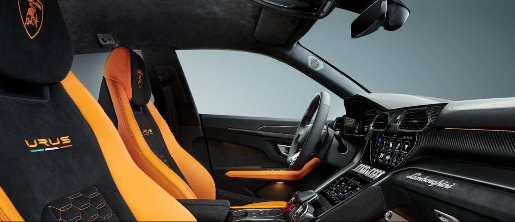 Lamborghini Urus interni in Giallo Borealis del Model Year 2021 programma Pearl Capsule