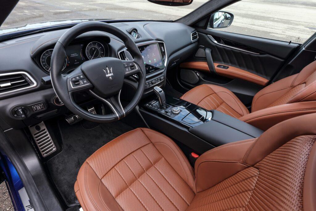 Maserati Ghibli Hybrid: tridente elettrizzante da 330 CV