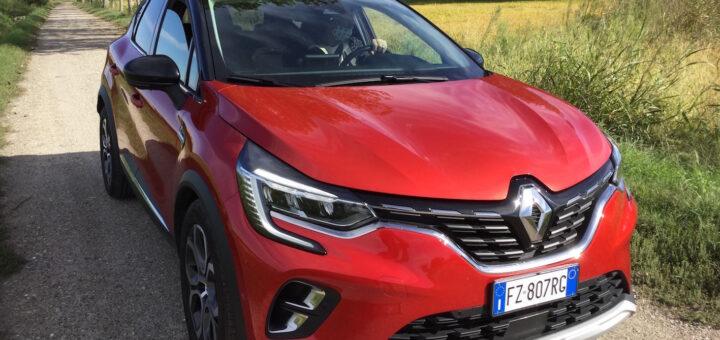 Renault Captur TCe 130 Intens EDC: tutta nuova tranne il nome