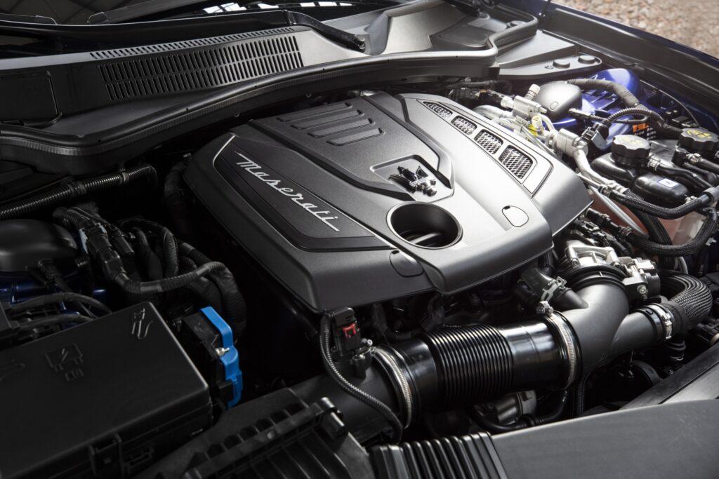 "Maserati Ghibli Hybrid: 4 cilindri ""magici"". Prova su strada"