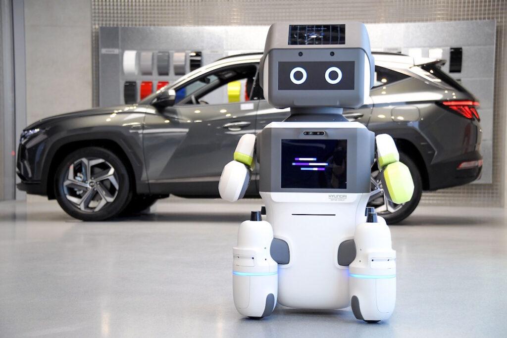 DAL-e robot umanoide di Hyundai per gli showroom e servizio clienti
