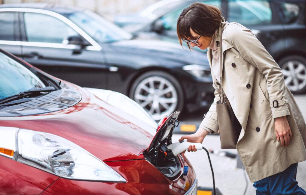 Mobilità elettrica: in Lombardia 3.300 nuove colonnine per la ricarica