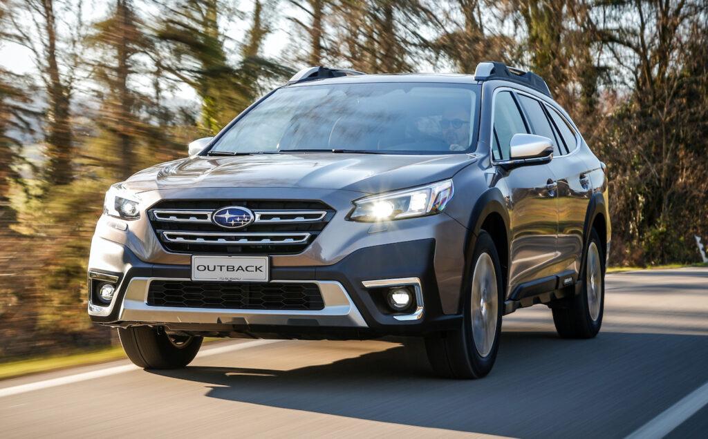 Subaru Outback 2021 presenta alcune interessanti novità a livello tecnologico e nell'abitacolo