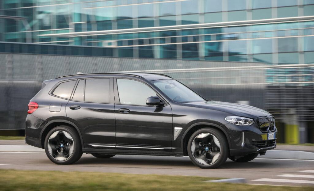 BMW iX3: efficiente, sportiva e 100%elettrica
