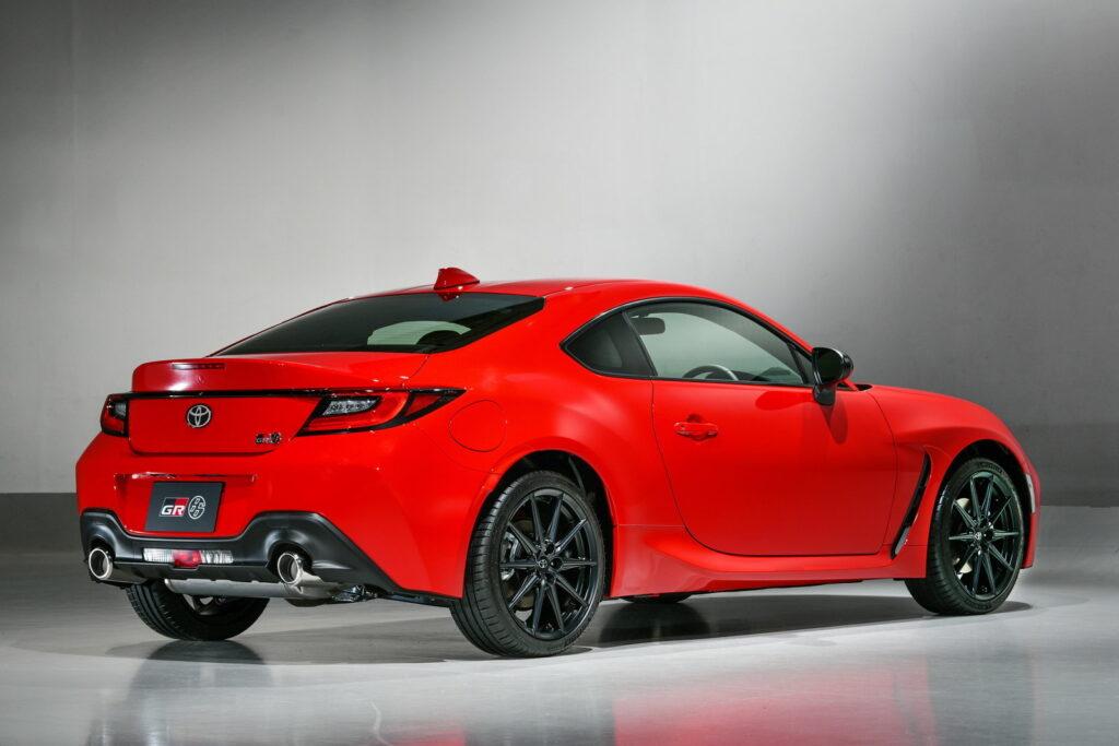 il piatto forte della Toyota GR 86 sono indubbiamente le doti dinamiche.