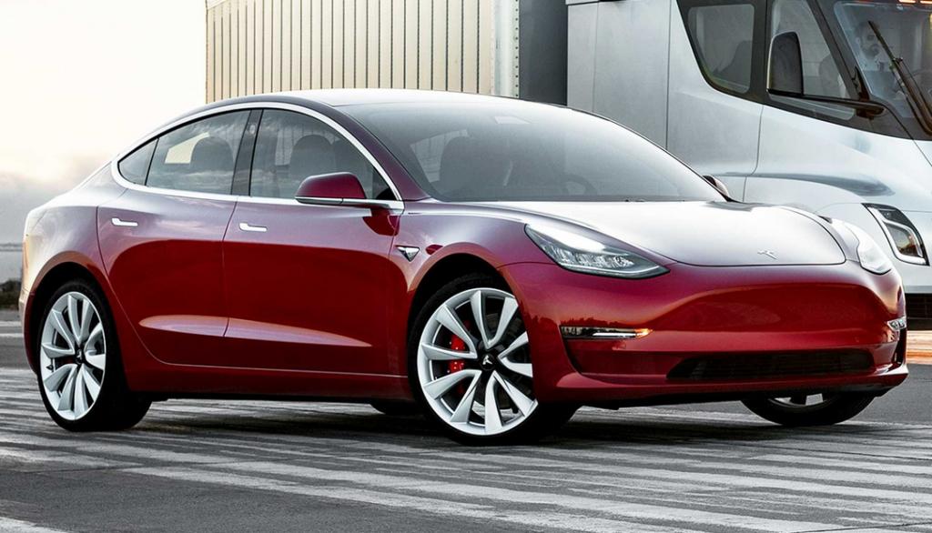 "La Tesla Model 3 vince nella battaglia ""social"""