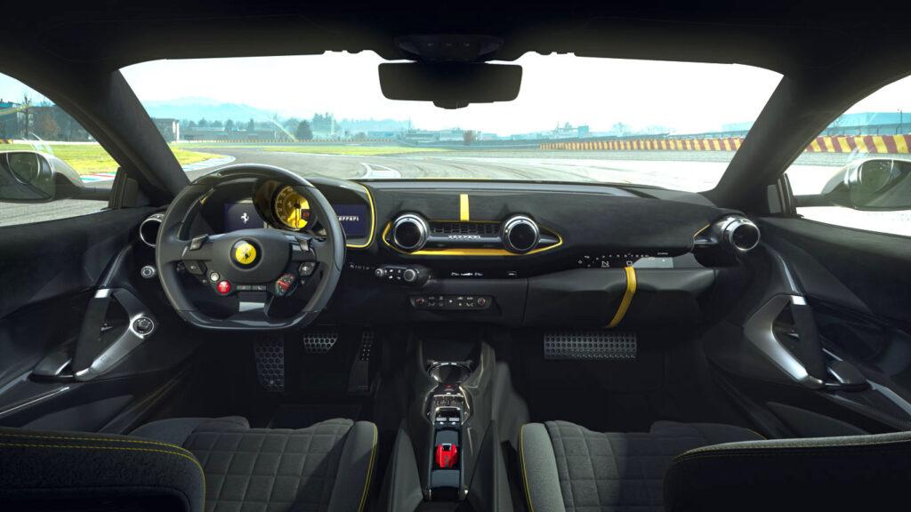 La Ferrari 812 Competizione e la Competizione A dispongono di un cambio a 7 rapporti e doppia frizione