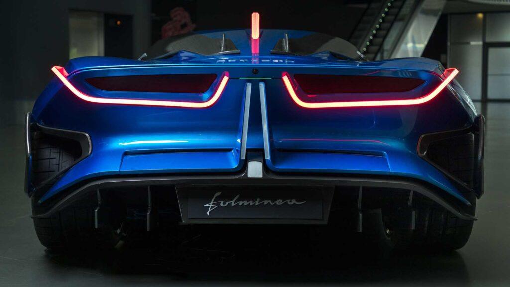 Estrema Fulminea sarà disponibile nel 2023 in 61 esemplari. Il prezzo previsto è di quasi 2 milioni di euro.