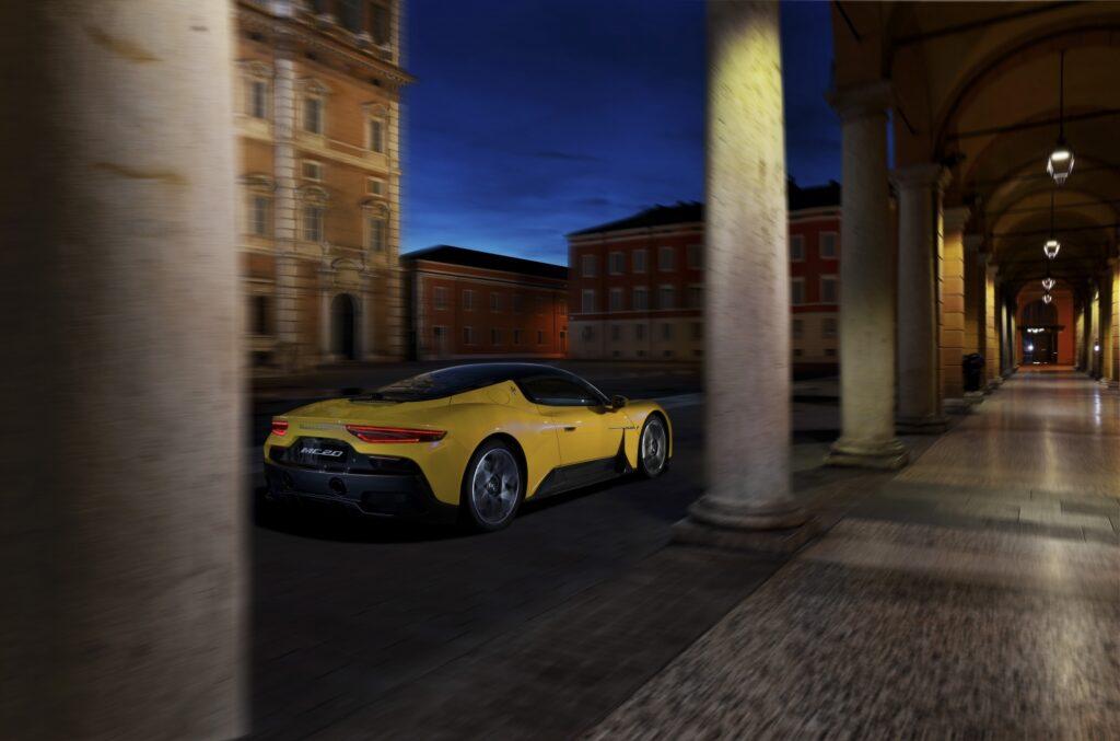 Ma è il circuito dove la Maserati MC20 può esprimersi appieno.