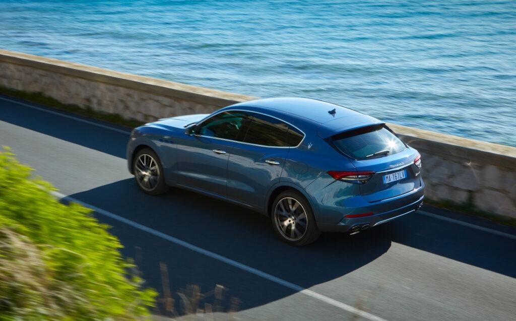 Levante Hybrid abbina al motore termico due litri a 4 cilindri un sistema Hybrid da 48 volt.