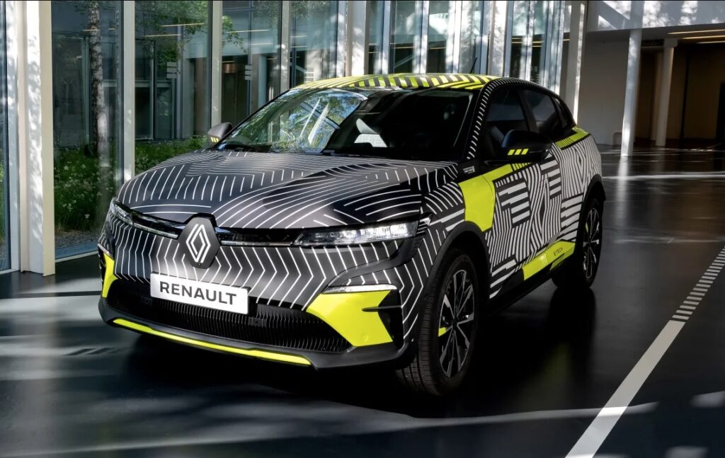 Renault Mégane E-Tech Electric è attesa nel 2022.
