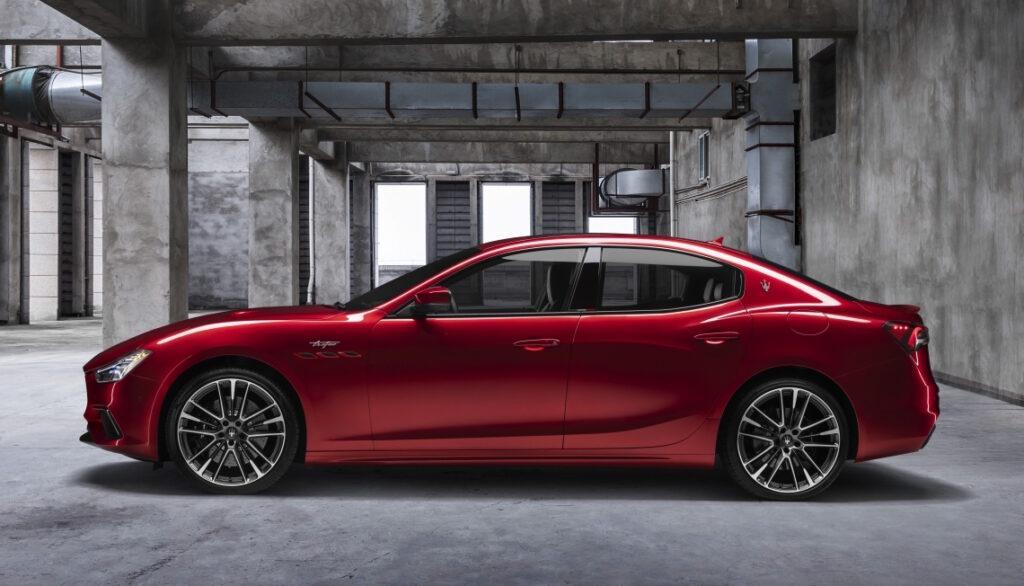 Maserati Ghibli GT e Levante GT sono equipaggiate con un 4 cilindri mild hybrid da 330 CV