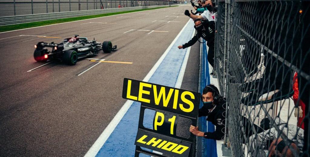 Lewis Hamilton al volante della Mercedes ha vinto il Gran Premio di Russia di Formula 1
