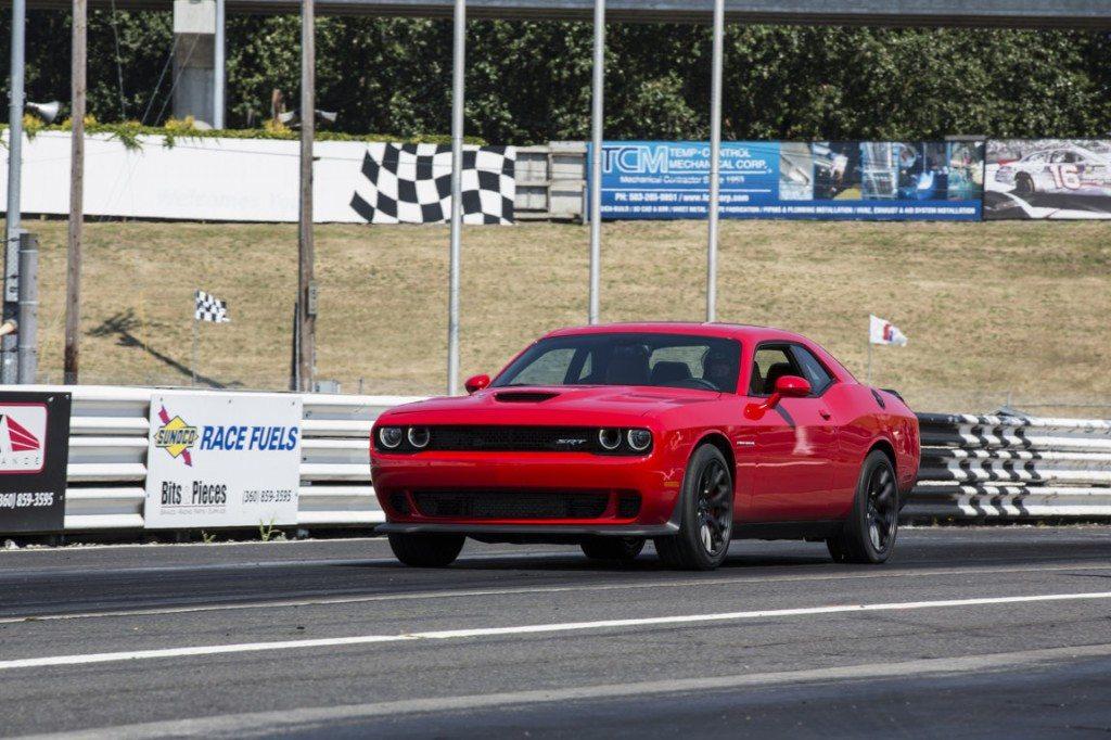 Dodge Challenger SRT_11