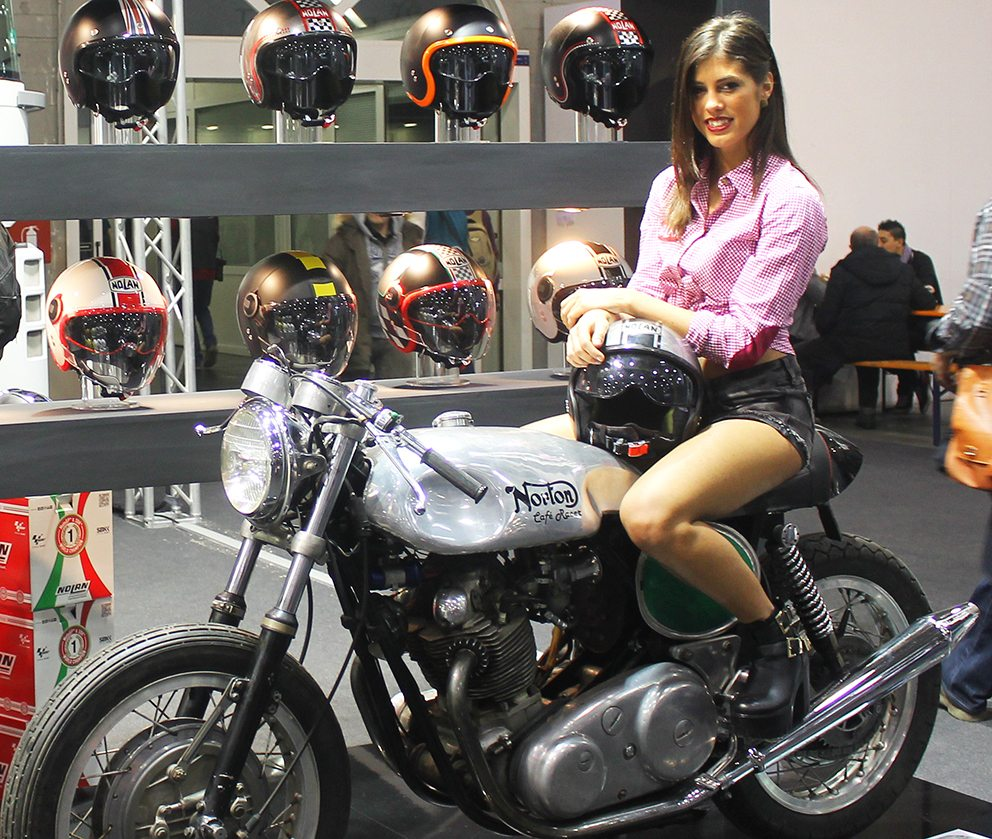 Le girls motor bike expo 2015
