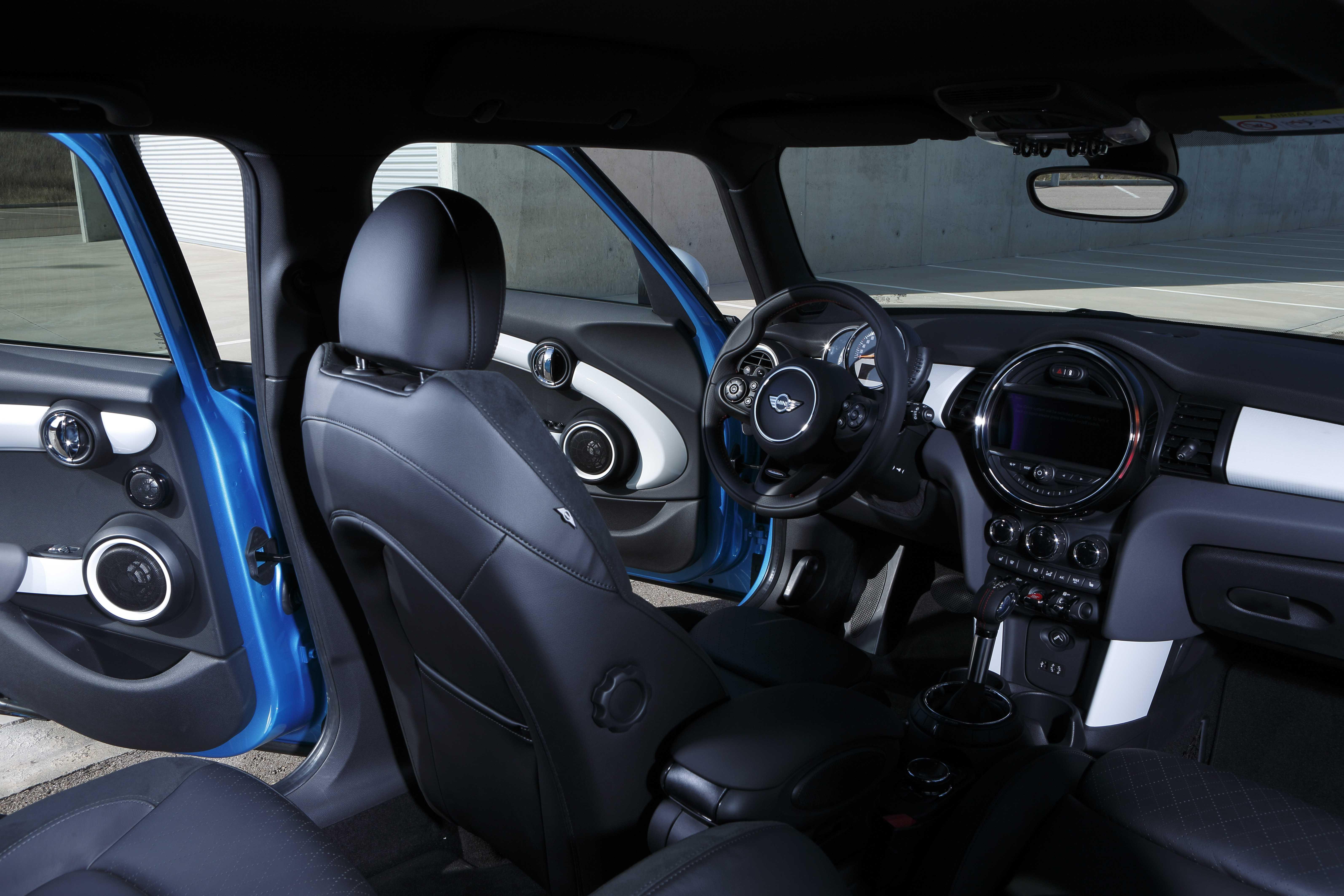 mini 5 porte test su strada 136 cv motorage new generation. Black Bedroom Furniture Sets. Home Design Ideas